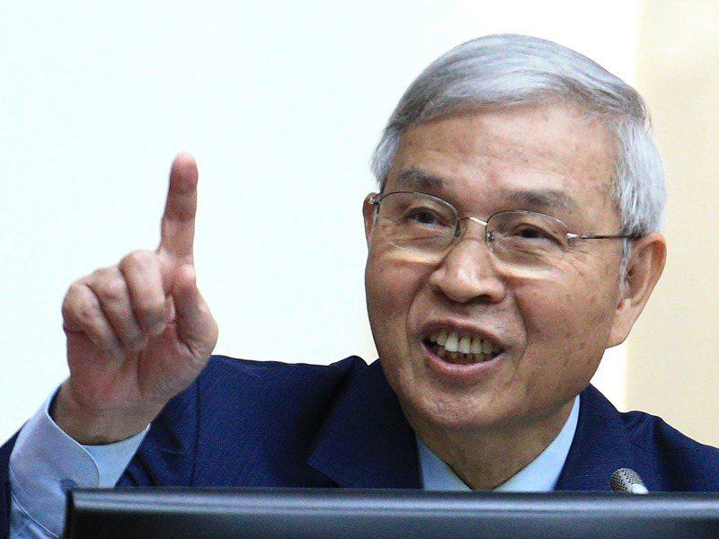 現任央行總裁楊金龍講話方式直白,直爽個性也在他多次於立法院回覆立委質詢時表露無遺。圖/聯合報系資料照片