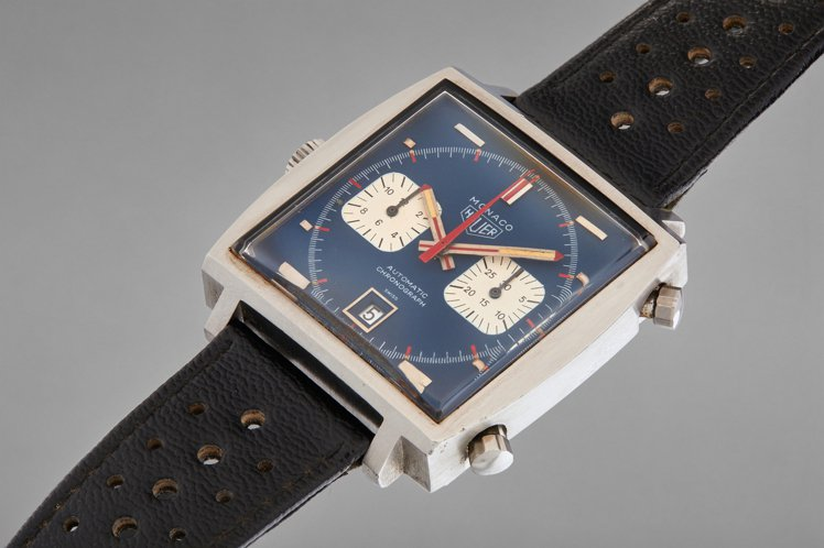 Steve McQueen在賽車電影《極速狂飆》中,所配戴的Monaco計時碼表...