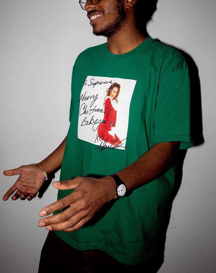 潮牌Supreme與天后瑪麗亞凱莉合作限定T恤,一共推出4款顏色。圖/摘自Sup...
