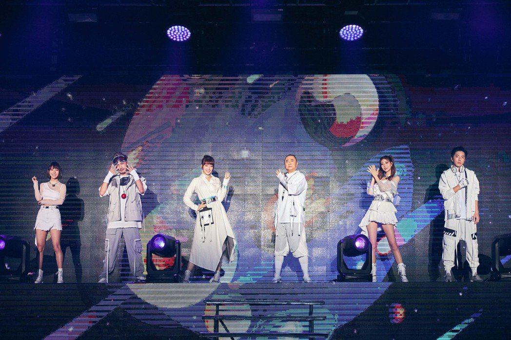 「木曜4超玩」成功舉辦跨界演唱會。圖/華貴娛樂提供