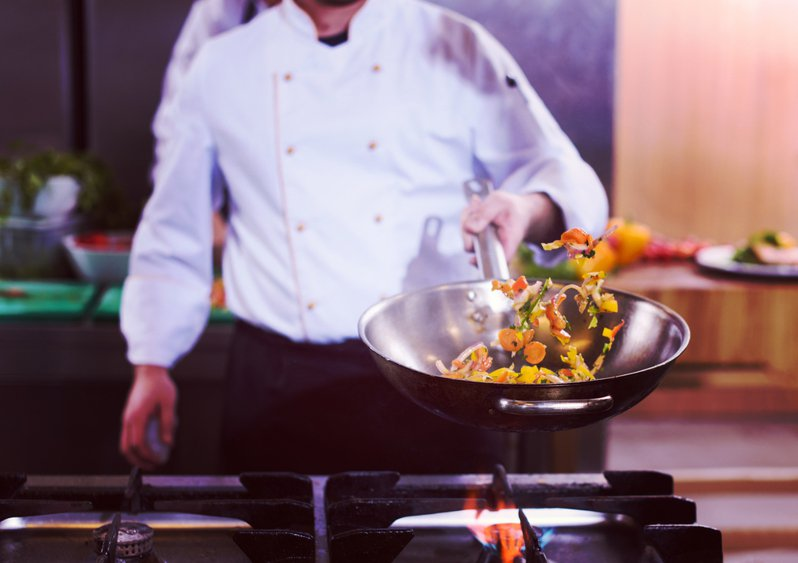 內行人點名餐廳「最髒的3道菜」,並直言「連老闆都不敢吃」 。示意圖/ingimage