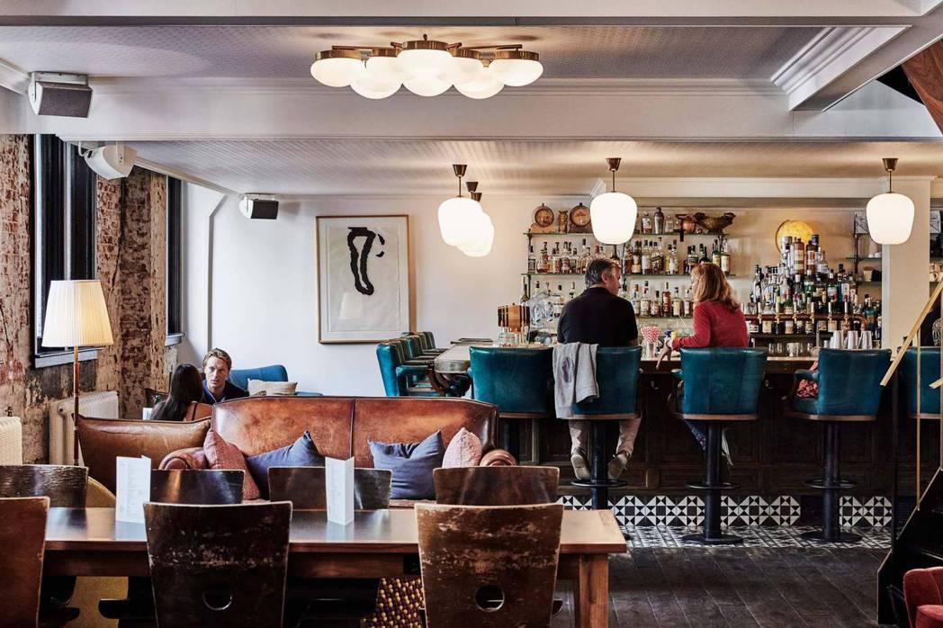 少了觀光客的飯店和旅館為吸引住房而推出超值方案,圖為阿姆斯特旅店The Hoxt...
