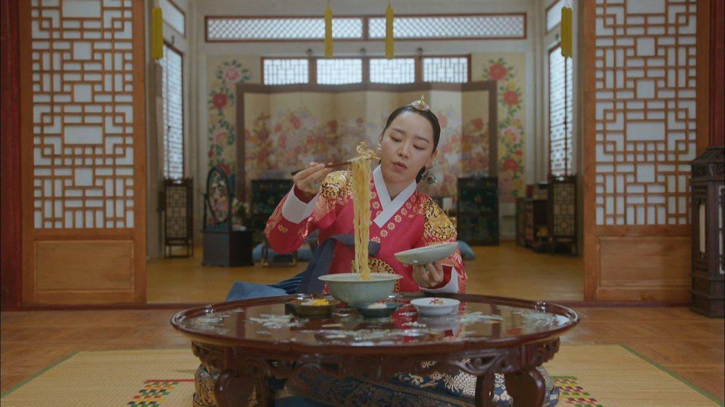 申惠善自製朝鮮版拉麵。圖/friDay影音提供