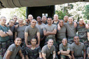 法國外籍兵團教我的事:被揍只是小事,痛苦的是不讓人睡覺