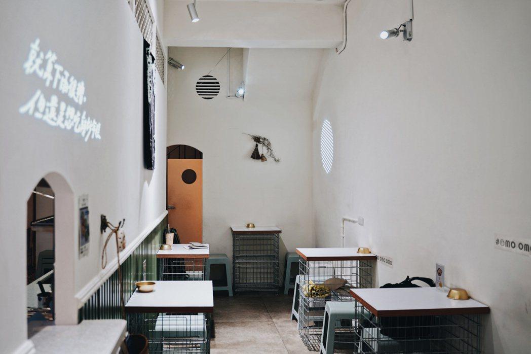 位於羅東鎮的OMO Chicken韓式炸雞專賣店,店面小巧,同步提供外送平台服務...