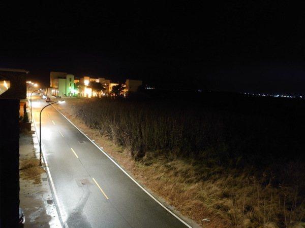 澎旅品花灣外街景