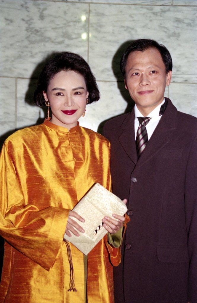 楊惠姍(左)與張毅一起度過大風大浪,是人生伴侶。圖/報系資料照片