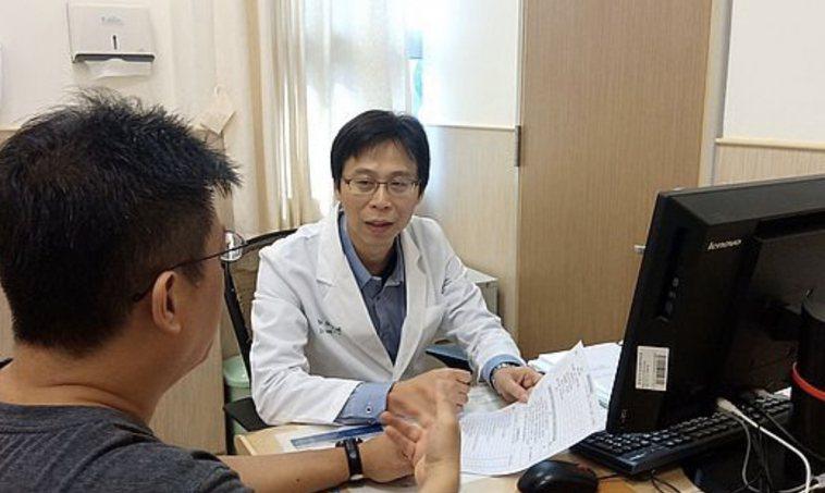 台南市立安南醫院精神科主任張俊鴻。圖/醫院提供