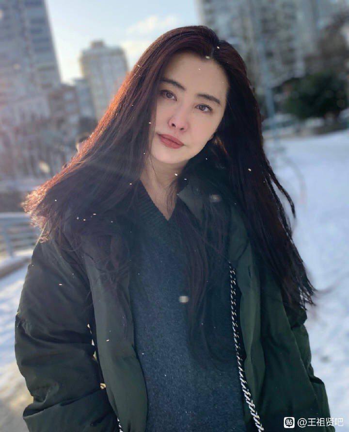王祖賢最新美照。圖/摘自微博