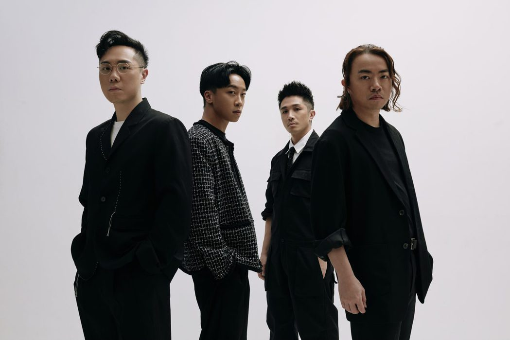 Supper Moment推出最新專輯「Everything Is You」。圖