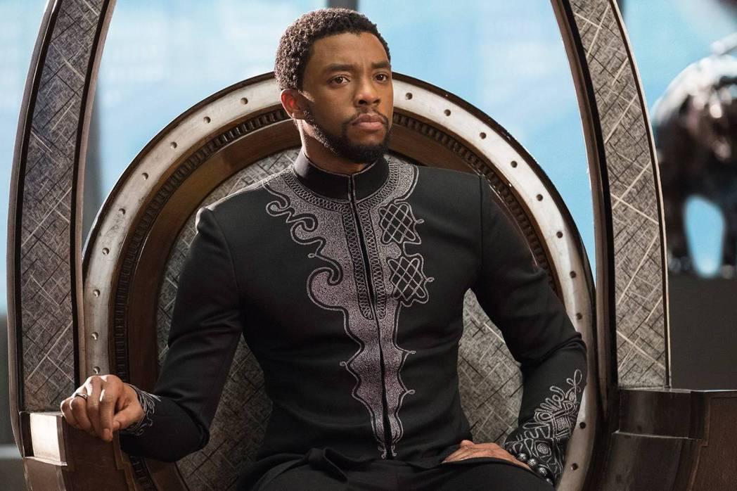 「黑豹」原本可望拍3集,查德威克鮑斯曼將因此成為身價最高的黑人男星之一。圖/摘自...