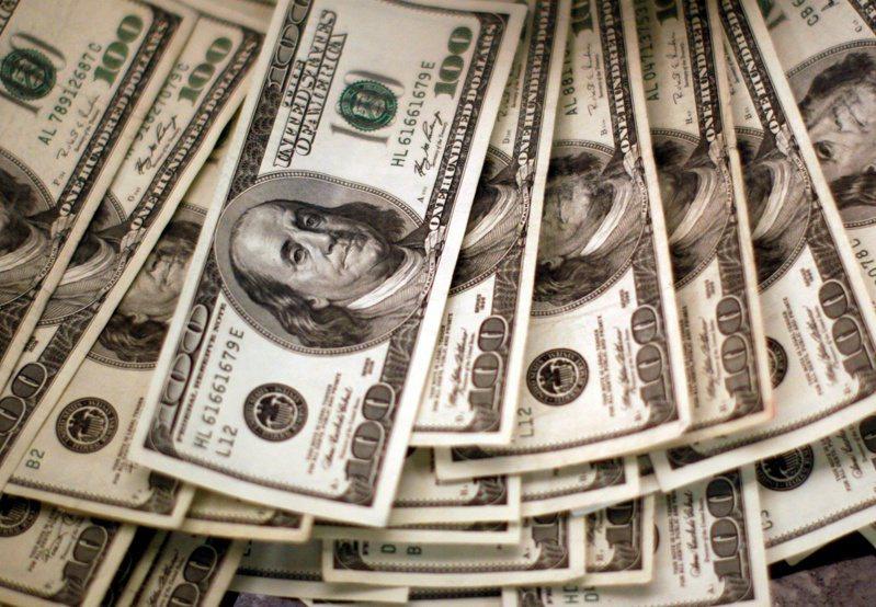 美国财政部长米努勤说,美国民众下周就能领到纾困案中的600美元(约台币1万7000元)现金。(路透)(photo:UDN)