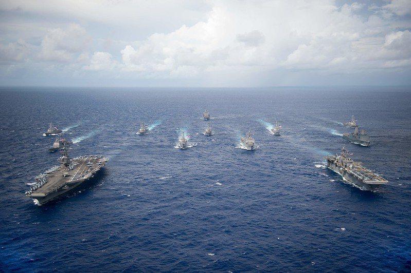 美軍航艦雷根號打擊群。 圖/美國海軍