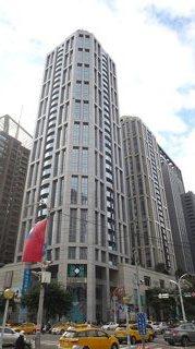 110年度新北市地王板信商業銀行雙子星總部大樓。圖/新北地政局提供