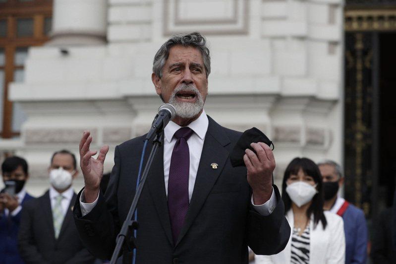 因傳染力更強的2019冠狀病毒疾病(COVID-19)新病毒株在英國境內「失控」擴散,包括秘魯、巴拿馬與瓜地馬拉等中南美洲國家紛紛加強對歐洲的入境管制。圖為秘魯總統薩加斯蒂。 歐新社