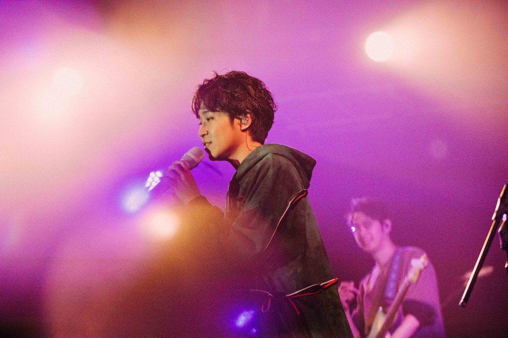 吳青峰舉辦「16葉」線上演唱會。圖/環球音樂提供
