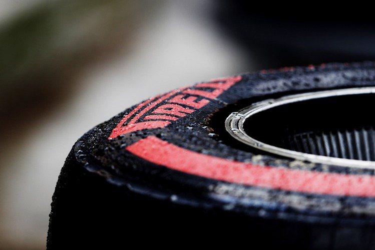 1872年成立的倍耐力,是全球知名輪胎大廠。圖 / 萬寶龍提供。