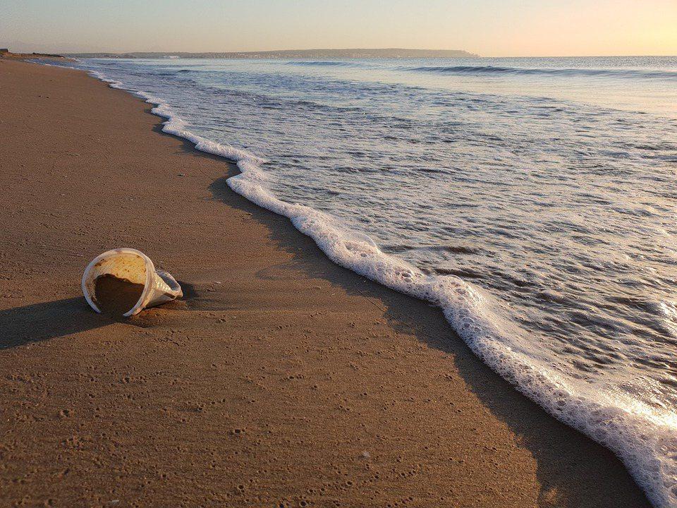 一直到2015年前,海裡到底有多少海廢?那時還沒有任何人能「明確」回答這個問題。...