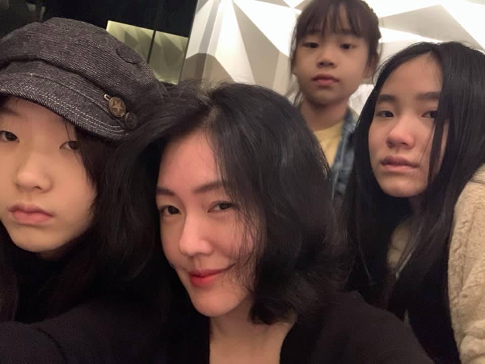 小S與三個女兒受到網友喜愛。圖/擷自臉書