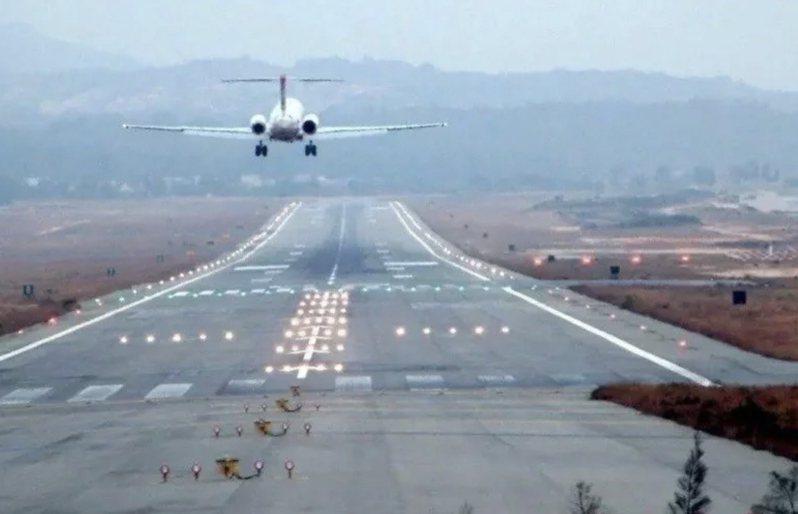 將開放春節第二波離島加班機訂票。聯合報系資料照