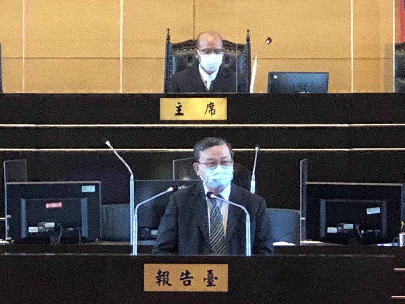 北捷局長張澤雄昨天到台中市議會專案報告中捷因應作為。記者陳秋雲/攝影