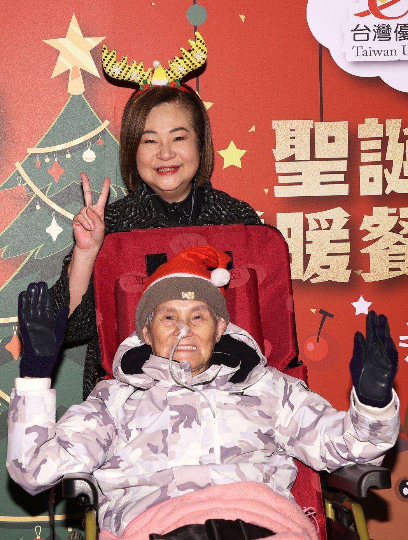 92歲文夏(前)看來狀態很好。記者蘇健忠/攝影