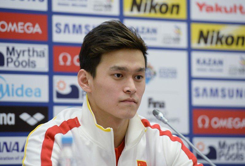 中國泳將孫楊禁賽8年遭撤銷大逆轉,原因竟是陪審團成員曾發表「辱華」言論。 中國新聞社