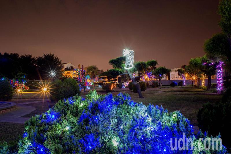 聖功女中迎接耶誕,將校園裝點得亮麗又熱鬧,成為散步賞景好地方。記者鄭惠仁/攝影
