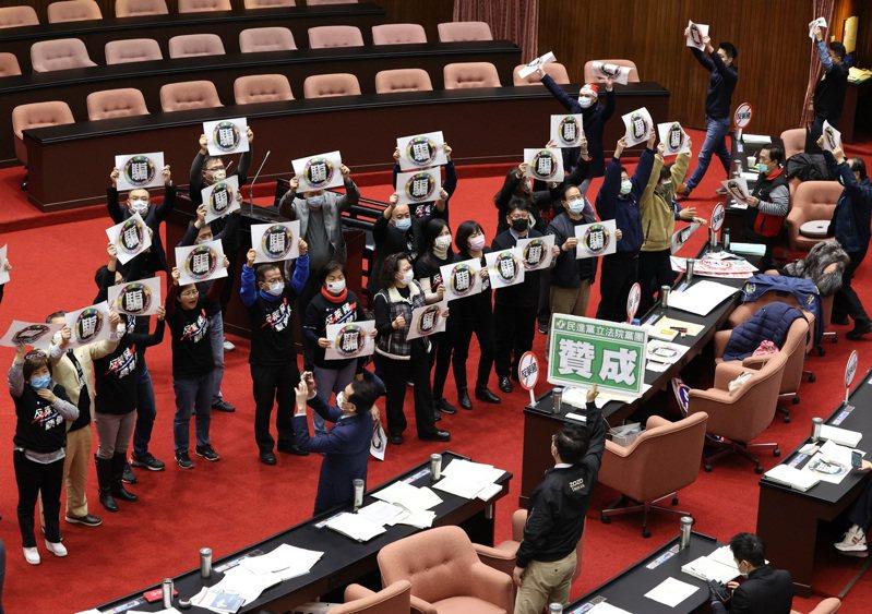 立法院今天表決開放萊豬相關行政命令。記者林伯東/攝影