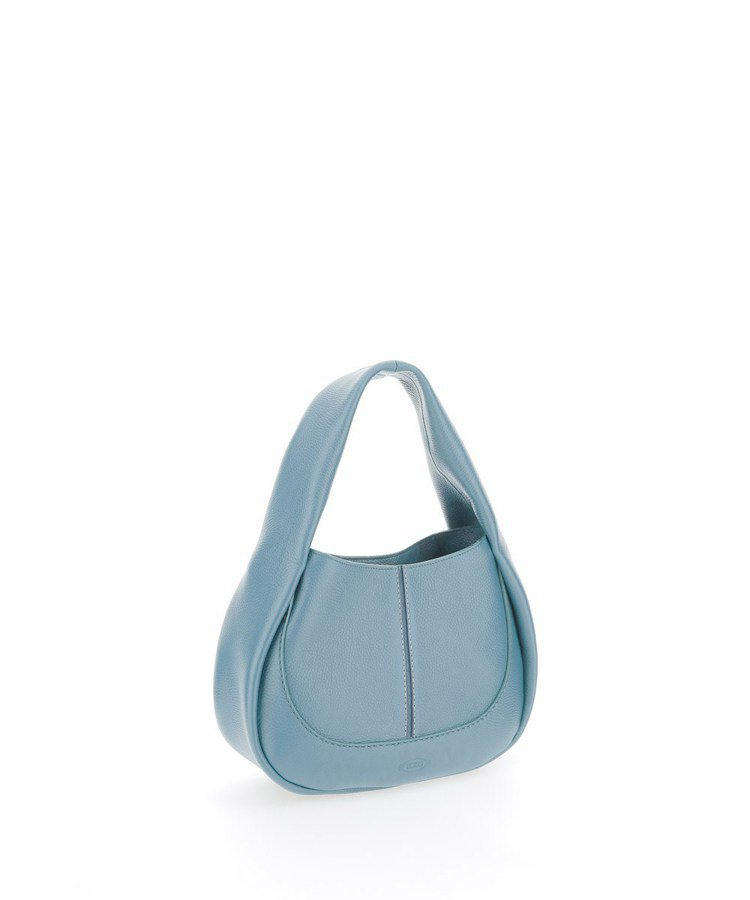 TOD'S Shirt Bag牛奶藍圓弧肩背包,56,300元。圖/迪生提供
