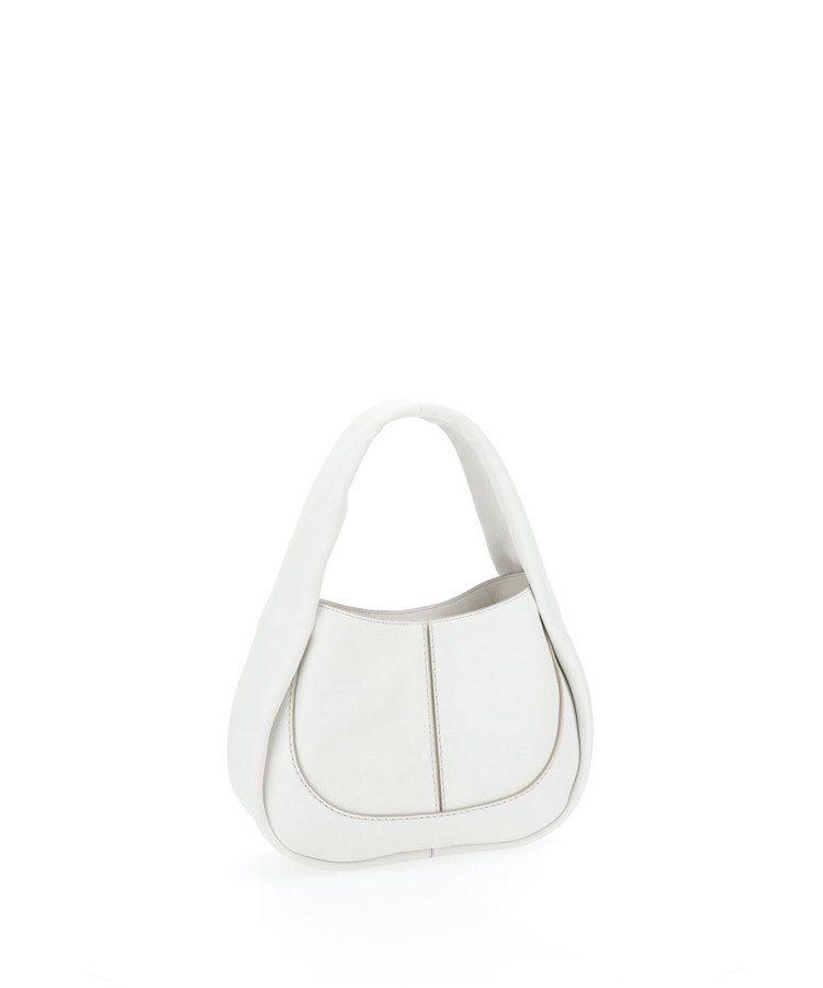 TOD'S Shirt Bag乳白色圓弧肩背包,56,300元。圖/迪生提供