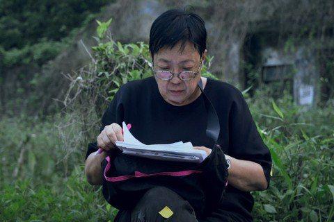 紀錄香港導演許鞍華的紀錄片「好好拍電影」,揭開已73歲的許鞍華少女心的另一面,文念中導演直說:「她給我們的印象就是大導演,但其實她很少女心,很可愛的!」文念中舉例說道,許鞍華和一般女孩子一樣喜歡打扮...