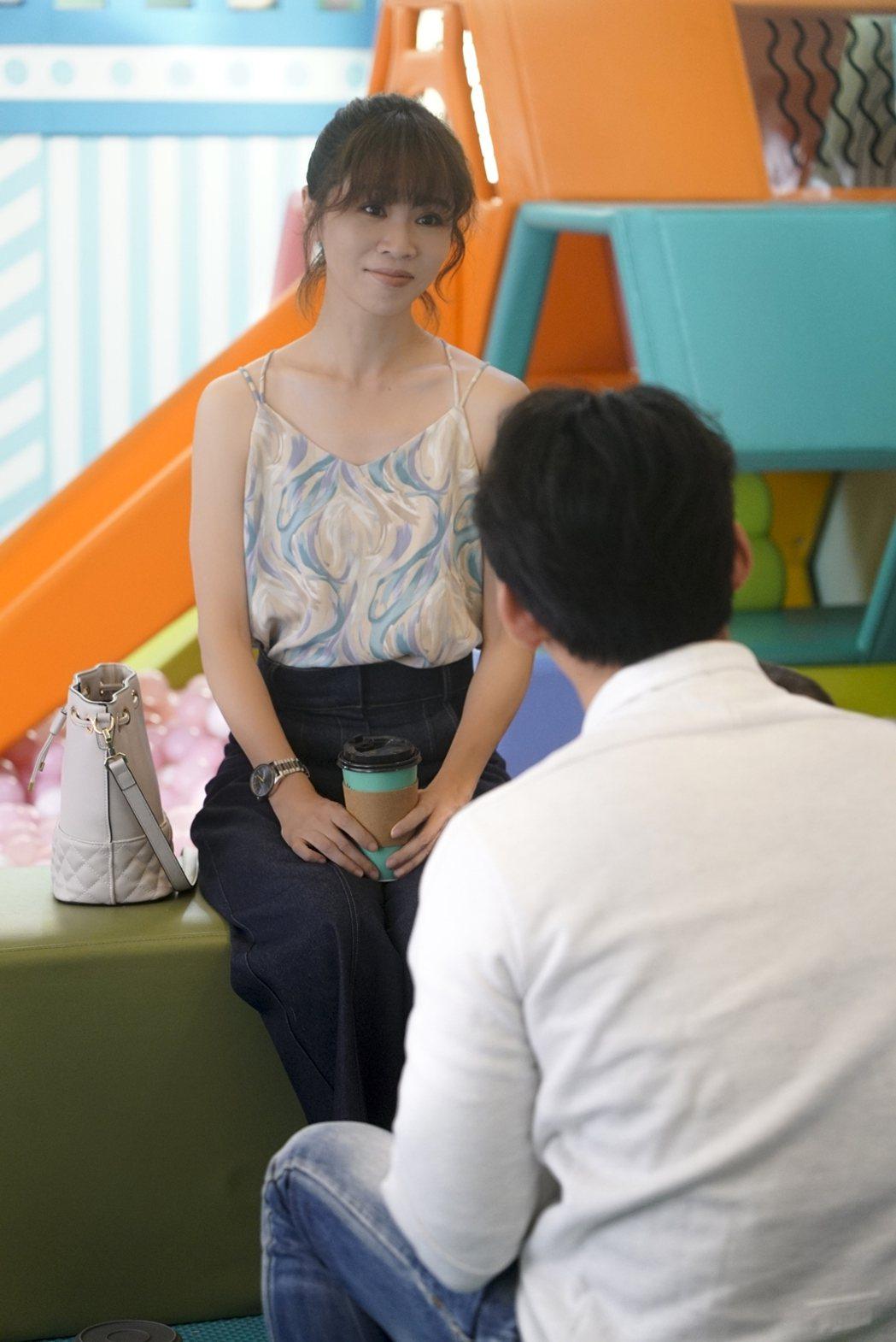 謝盈萱拍「 俗女2」和溫昇豪的對手戲。圖/華視提供