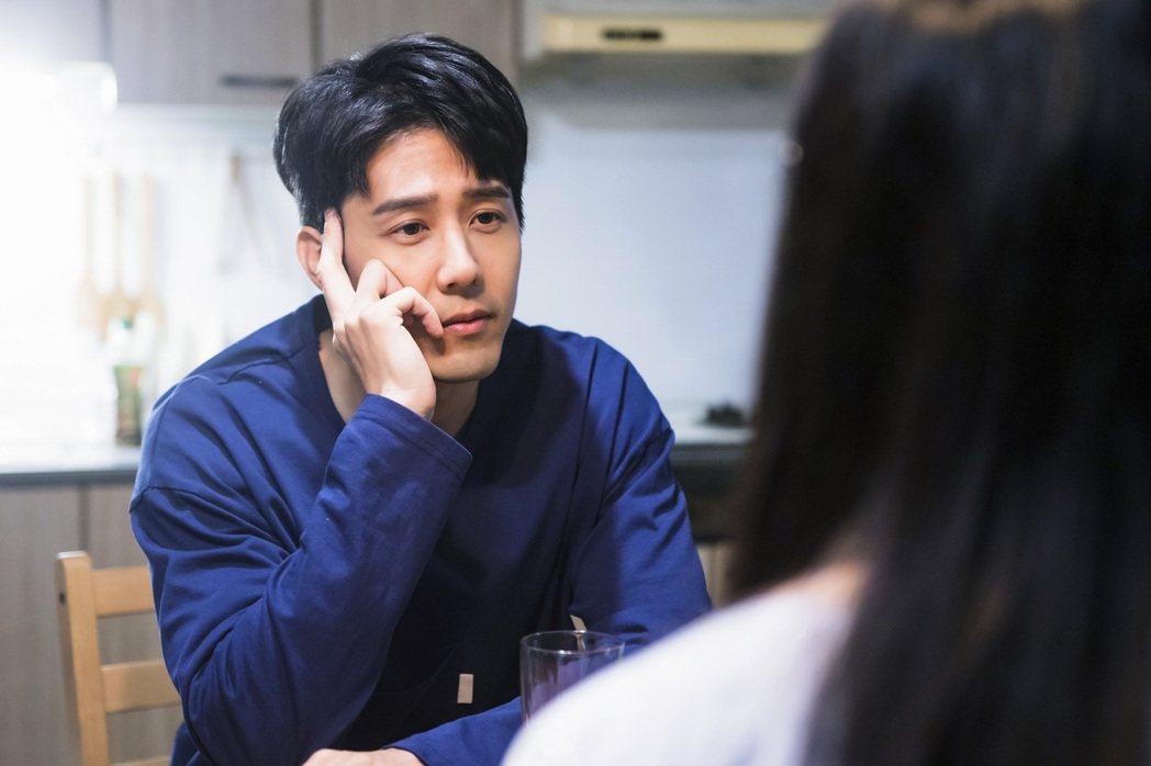 胡宇威演出「王牌辯護人」。圖/東森提供