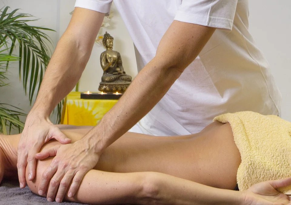 長期處在不正確姿勢下或長期重覆同樣狀態工作狀況下,易引起肩頸部位肌肉發炎、疲勞、...
