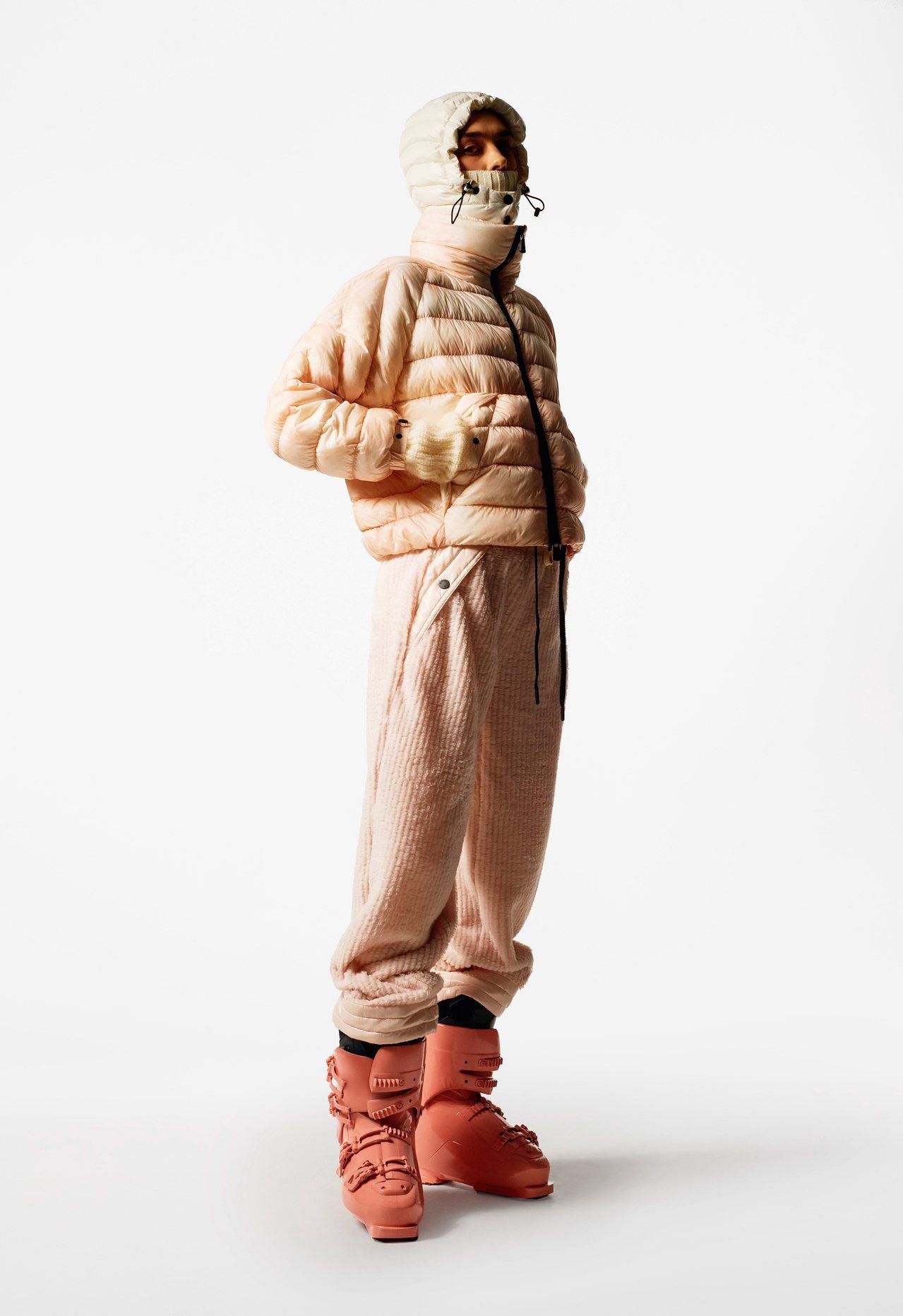 MONCLER Grenoble滑雪系列的女裝,推出玫瑰裸粉色的浪漫色彩。 圖/...