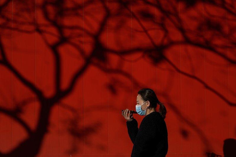 中國最新的病毒甩鍋說法與WHO將赴武漢調查有關,中共似乎為此「急於將水攪渾」。 圖/美聯社
