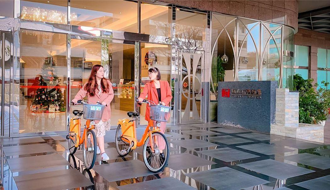 福泰飯店集團集合「福泰翡翠灣渡假飯店」、「福泰商務飯店」與各地的「桔子商旅」,共...