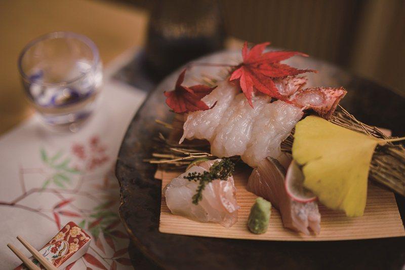 水洗活體毛蟹,吃得到蟹的鮮美與Q彈的口感。也唯有產地直送的最新鮮螃蟹,才能做成最道地的美味。 攝影/莊智淵