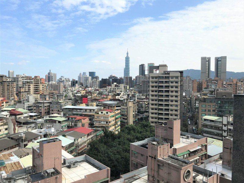 全台最高大樓、最好資源都在台北市,最貴房價也落在台北市,「台北居、大不易」是歷任台北市長共同的挑戰和夢魘。 圖/聯合報系資料照片