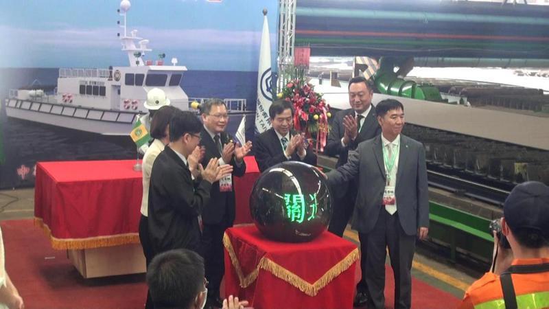 關務署委由台船建造4艘100噸級巡緝艇,今早在台船高雄廠開工。記者王昭月/攝影