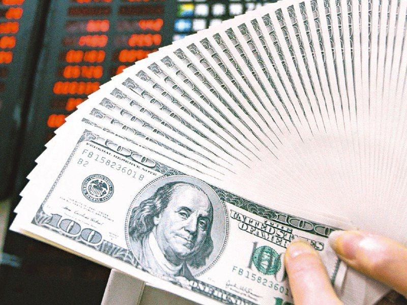 瑞銀財富管理投資總監辦公室預期,2021年美元將進一步走軟。圖/聯合報系資料照片