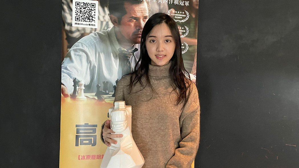 【高校棋蹟】圍棋美少女俞俐均出席特映會推薦。圖/捷傑提供