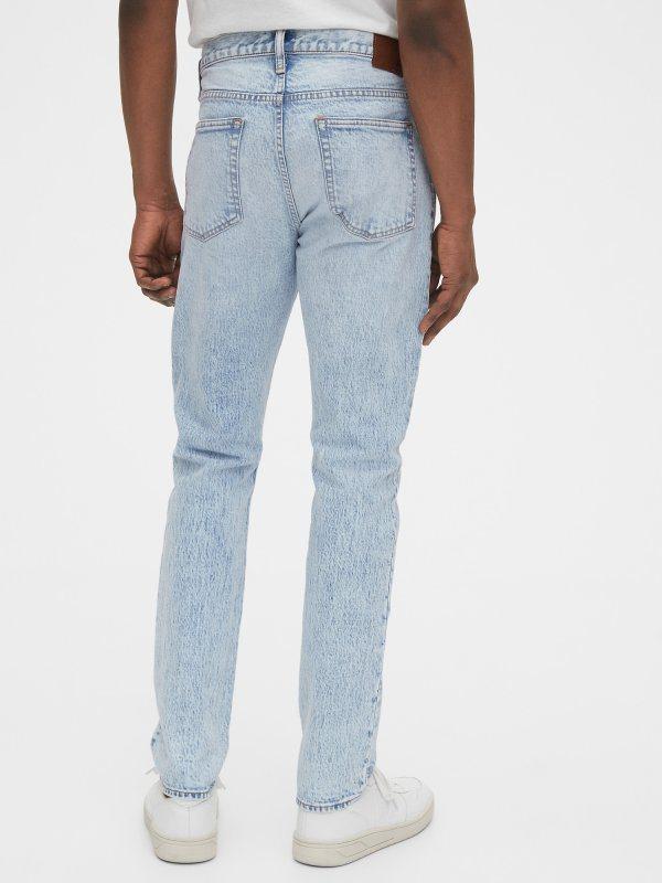 GAP男裝精選牛仔褲448元起。圖/GAP提供