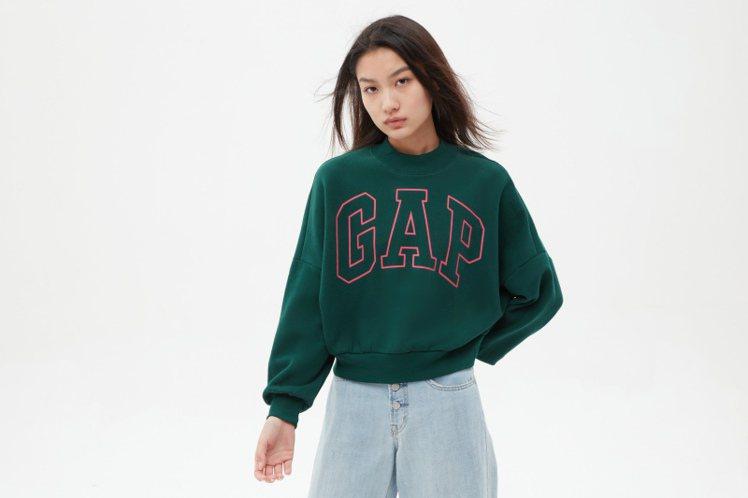 GAP女裝圓領衫599元。圖/GAP提供