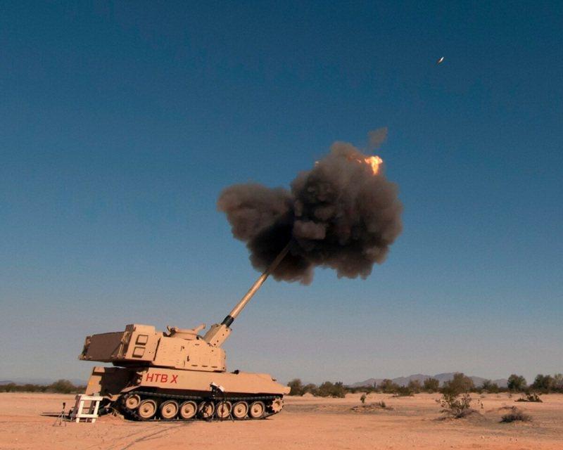 美国陆军19日在亚利桑那州尤马试验场测试正在开发的超级大砲「增程火砲砲兵」系统,第三次试射准确无误击中70公里外目标。画面翻摄:US Army/Defense News(photo:UDN)