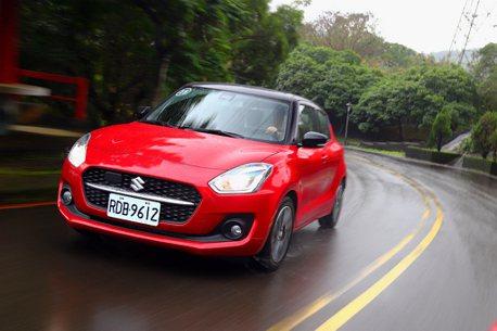配備誠意優於售價漲幅!小改款Suzuki Swift輕油電動力試駕