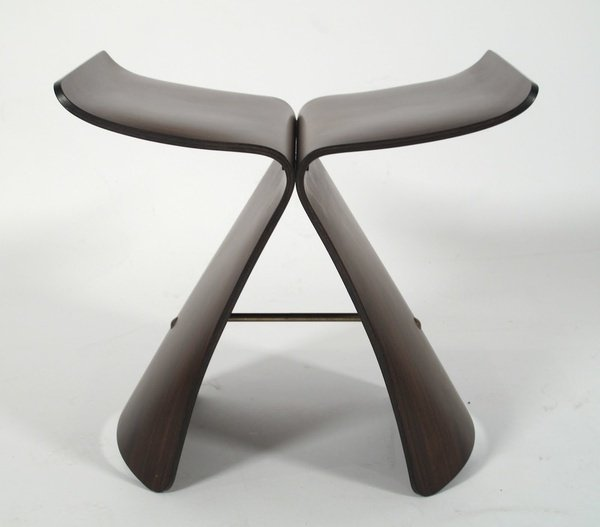 柳宗理蝴蝶椅。圖/WUZ屋子提供