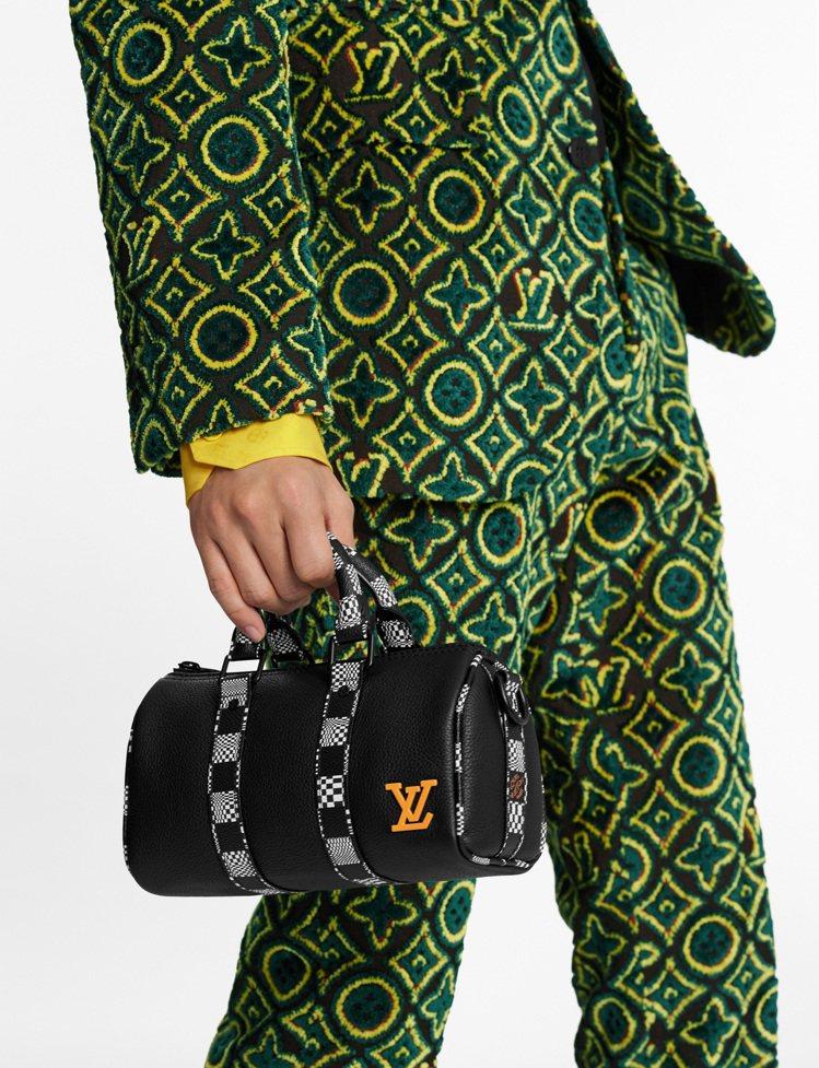 KEEPALL Damier Nano手袋,78,000元。圖/LV提供