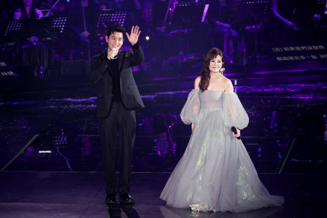梁靜茹(右)今晚於台北小巨蛋開唱,邀周興哲對唱「如果有一天」。記者曾原信/攝影